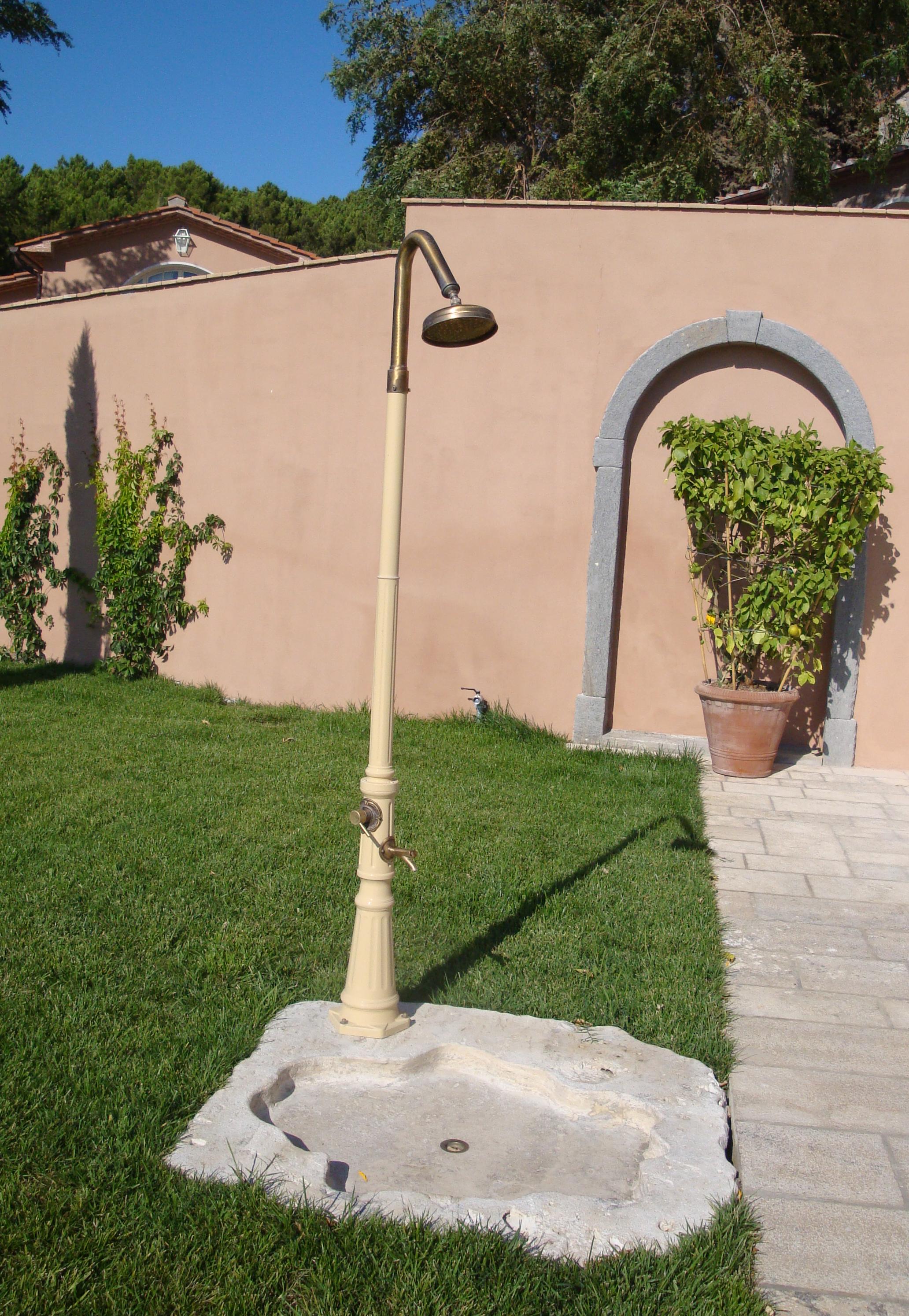 Docce da giardino garden house lazzerini - Docce da giardino in muratura ...
