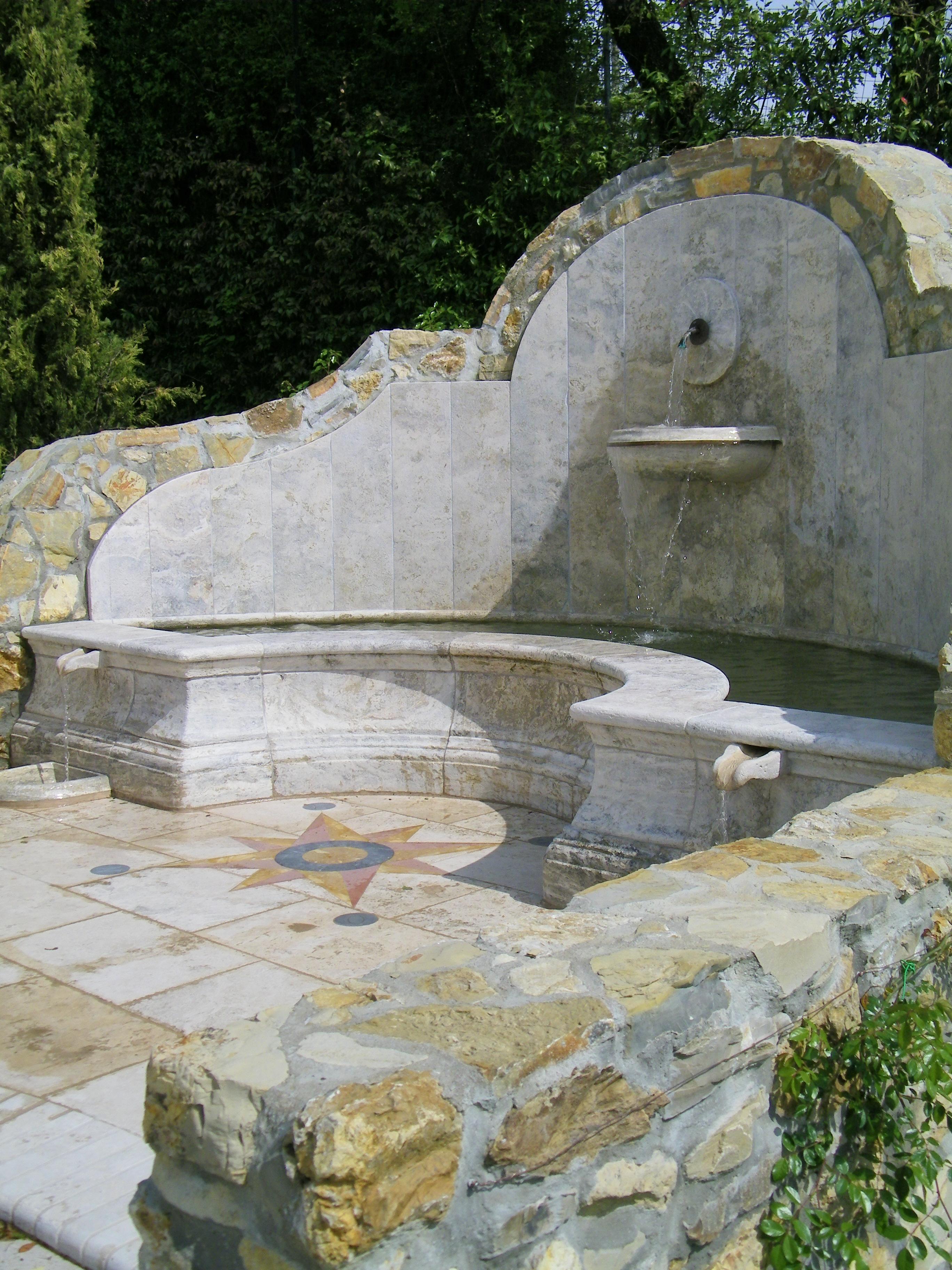 Pietra e acqua uno sguardo alle fontane garden house lazzerini - Fontane da casa ...