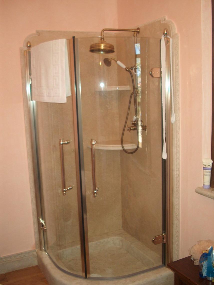 Box doccia sottotetto la scelta giusta variata sul - Idee box doccia ...