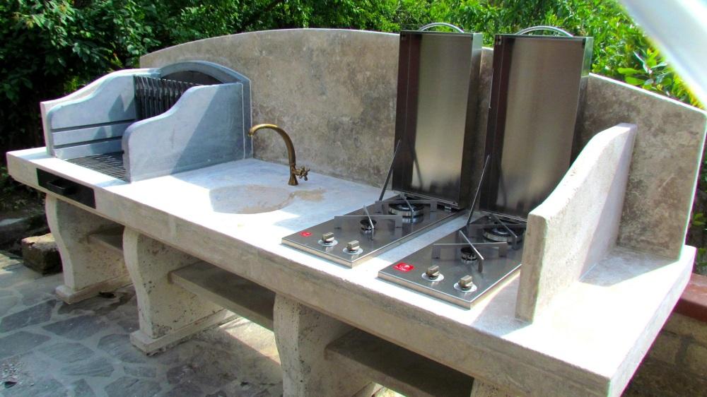 Barbecue su misura in pietra  Garden House Lazzerini